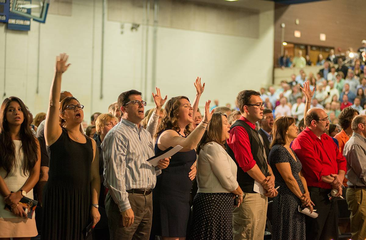 Students worshipping at the 2015 baccalaureate .