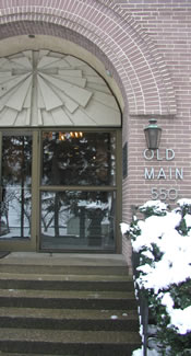 picture of entrance to Old Main building